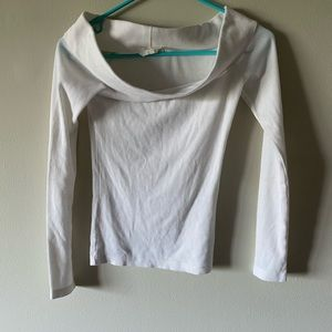 H&M off the shoulder long sleeve in white XS